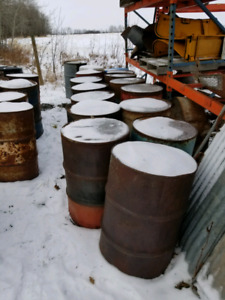 Quantity of oil and gas steel drums/barrels