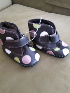 PEDIPED SLIPPERS