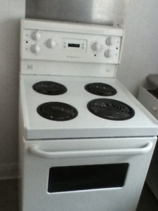 stove with oven  24 inch apartment size