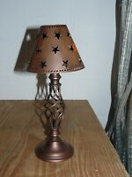 Table lamp with T lite holder