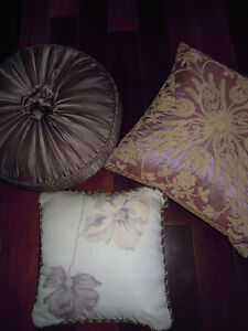 Beautiful Throw Pillows- Great Price! Cambridge Kitchener Area image 1