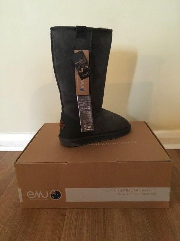 Emu Woman's Stinger Hi Boot, new, charcoal size 4
