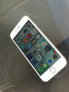 iPhone 6s with iOS 11 + iPhone 5c 550$ obo... Moving overseas