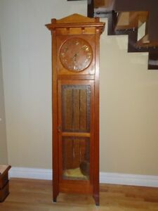 Pequegnat: Boitier d'horloge grand-père