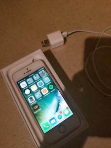 Téléphone Apple SE 32 gig