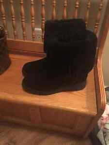 Authentic UGG Boots ladies size 9 - worn once