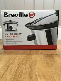 BNIB 3.5L Slow Cooker