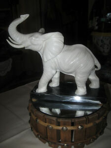 CLASSIC DETAILED SANTINI RAGING BULL ELEPHANT SCULPTURE