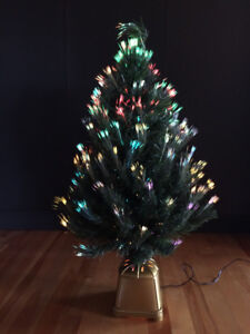 LIKE NEW CHRISTMAS FIBER CONTINUOUSLY CHANGING OPTIC TREE DECOR