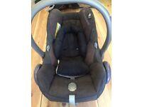 Maxi Cosi Car Seat. 0-12 months (approx) FOC