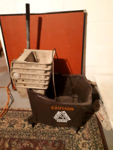 Heavy duty bucket and squeegee