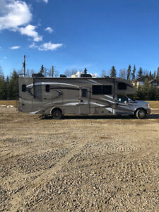 2013 Four winds by THOR 33SW super C motor home