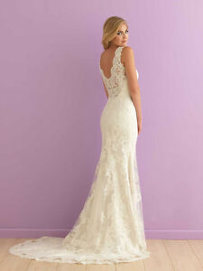 Allure 2901 Wedding Dress (Used Once)