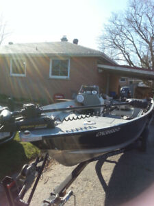 Turn key fishing machine 2014 Smokercraft 40hp Suzuki