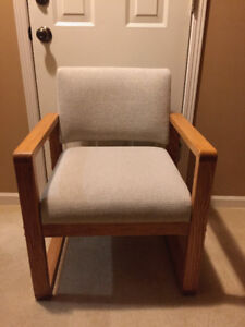 CHAIR: Oak Frame. Upolstry.