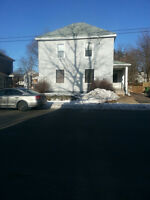 3 Bed Main Floor Duplex $995 All Inclusive Available Nov. 1