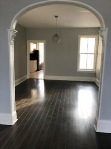 3 bedroom in Bayfront Park Area $1800/month plus hydro