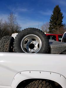 285 70 17 chev gmc dually tires and aluminium rims