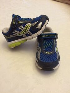 Toddler boys Saucony runners size 5 used Cambridge Kitchener Area image 2