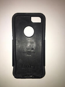 BLACK OTTERBOX IPHONE 5/5S CASE FOR SALE!
