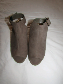 Womens/girls size 3 mocha new look shoes