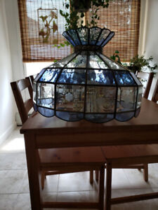 STAINED GLASS LIGHT FIXTURE - REFRACTS LIGHT BEAUTIFULLY