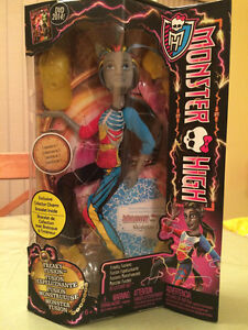 Monster High Freaky Fusion NEIGHTHAN ROT New in Box