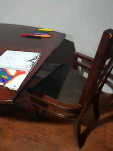 Solid wood 6 seat table with leaf