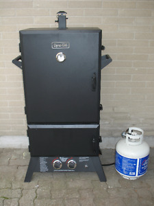 END OF SEASON SALE: VERTICAL PRO COMPETITION SMOKER