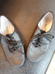 Soft leather jazz shoes - Size 2 In good condition