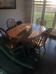 Dining room set / Sofa Bed / 2 arm chairs / Couch