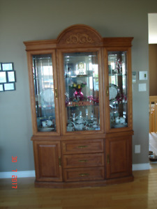 FOR SALE CHINA CABINET AND HUTCH