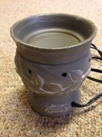 "Scentsy Warmer *new* ""Cemental"""