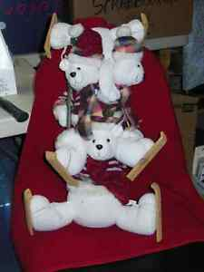 Teddy Bear skiing family - new with tags