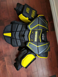 Goalie equipment chest protector intermediate Large