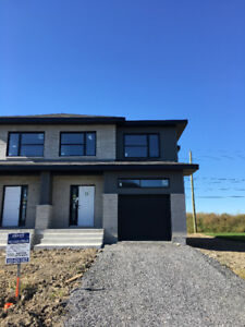 Vaudreuil townhouse for rent - September 1st