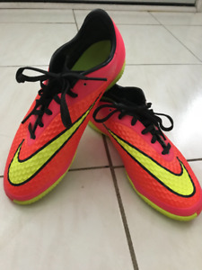 Indoor Soccer Cleats (Men's size 7 or Women's size 8.5)