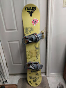 Women's snowboard, boots and bindings