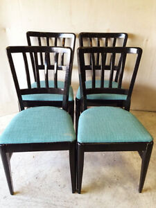 517: Antique Set of 4 Gloss Black Dining Chairs