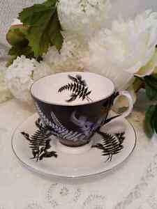 ROYAL ALBERT of England; NIGHT AND DAY fern tea cup