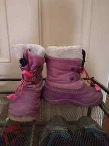 Superfit canada snow boots size 9