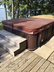 Like New 7-Person Arctic Spa Hot Tub
