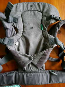 Infantino Flip carrier rarely used-excellent condition
