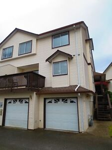 Beautifully Re-modelled Townhouse in Family Friendly Complex!