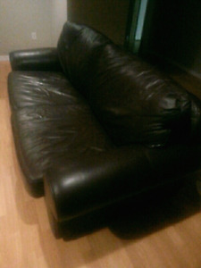 Real Leather couch and chair 300$ firm