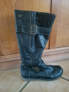 REMONTE Womens Wide Calf boots SIZE 9