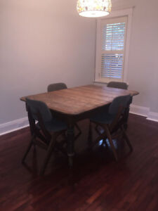 Harvest dining kitchen table. Antique.