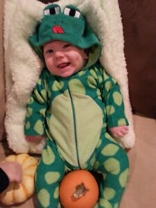 Froggy Outfit Size 3M London Ontario image 1