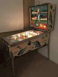 Showtime PINBALL was produced by Chicago Coin Machine Co 1974. Kitchener / Waterloo Kitchener Area image 2
