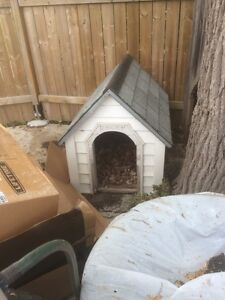 free doghouse